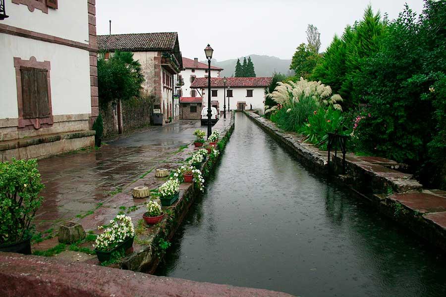 Canal en Urdax-Urdazubi