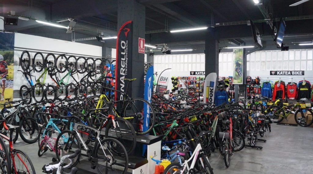 Katea Bike, taller y venta de bicicletas. Kanttonberri 1, Bera